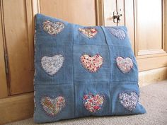 Denim Reverse Applique Pillow Cover - at last I know what to do with those fabric scraps and old jeans. Denim Scraps, Fabric Scraps, Scrap Fabric, Denim Fabric, Blue Jean Quilts, Denim Quilts, Patchwork Jeans, Sewing Crafts, Sewing Projects
