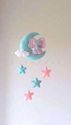Baby mobile – moon mobile – elephant mobile – moon and stars mobile Mobiler elefant mobiler elefant von lovefeltmobiles Star Mobile, Felt Mobile, Baby Mobile, Mobile Mobile, Elephant Mobile, Baby Elephant, Felt Crafts, Diy And Crafts, Diy Bebe