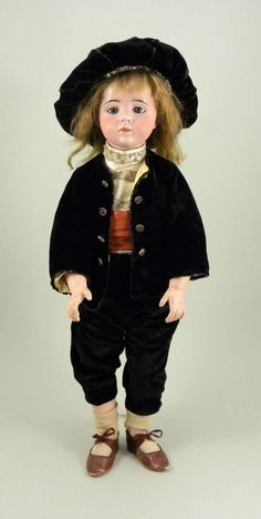 Bid online for collectables and antiques at the Web s online auction site. Beautiful Children, Big And Beautiful, Beautiful Dolls, Antique Dolls, Vintage Dolls, French Beauty, Boy Doll, French Antiques, Art Dolls