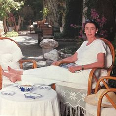 Mica Ertegun, a sometimes JAR-bejewelled, Romanian-born cosmopolite and philanthropist, at her pretty-well-perfect holiday house in Turkey. Mica Ertegun, Paolo Roversi, Classic Chic, Beautiful Interiors, Alter, Habitats, Style Icons, Photo And Video, Stylish