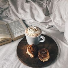 24 Ideas breakfast in bed for her treats for 2019 Coffee Break, Morning Coffee, Morning Food, Sunday Morning, Coffee Facts, Coffee Puns, Decaf Coffee, Coffee Humor, Breakfast In Bed