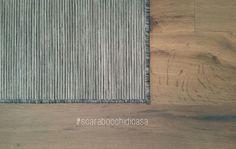 """""""La follia è saltare sul tappeto della ragione"""" A.M. #scarabocchidicasa #instagram #design #home #tappeto #ikeaitalia #hodde #hoddeikea #parquet #listonegiordano #listonegiordanogrisraku #grisraku #rovere Ikea, Mood, Rugs, Instagram, Design, Home Decor, Parquetry, Farmhouse Rugs, Decoration Home"""