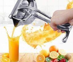 Fruit And Vegetable Juicer, Fruit Juicer, Citrus Juicer, Cool Kitchen Gadgets, Cool Kitchens, Healthy Juices, Healthy Drinks, Manual Juicer, Cool Inventions
