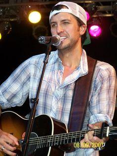 Love Luke Bryan!!