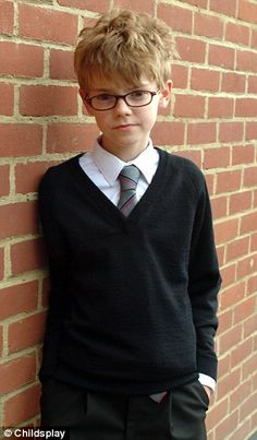 i know how i said that thomas is really cute in sunglasses, but him as a little kid with glasses is even cuter! <3