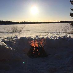 Perfect winter day | saariselka.com,  #nuotio #astueramaahan #stepintothewilderness #saariselka #saariselkabooking