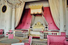 marie-antoinette bedroom - more room inspiration for Sophie, but in pale blue instead do pink