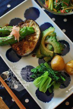 絹川茄子はやわらかくてトロトロのステーキになります。 ししとう、ゴーヤ、小いも、味美菜