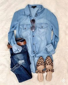 Monday Must-Haves Spring summer fashion outfits! Casual fashion cute and chic teenage outfits how to wear casual outfits ideas 2019 winter outfits Looks Camisa Jeans, Looks Jeans, Fall Winter Outfits, Summer Outfits, Casual Outfits, Casual Jeans, Casual Friday Outfit, Black Outfits, Evening Outfits