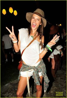 Celebrity Style : Fashion From 2014 Coachella Valley Music and Arts Festival - Alessandra Ambrosio