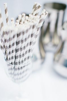 love me some gray striped paper straws!