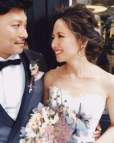 今日は @vow_wedding.1895 のフォトウェディングのヘアメイクに福岡に 初めましてだったけど、本当に大好きなお二人でまた逢えたらいいな 本当に楽しかった✨ hair/yuudai