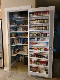 Kitchen Cupboard Storage, Pantry Room, Kitchen Pantry Design, Kitchen Organization Pantry, Kitchen Redo, Kitchen Interior, Kitchen Remodel, Kitchen Cabinets, Kitchen Modular