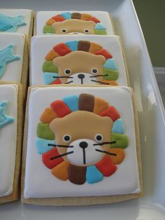 Baby shower lion cookie. Colors!!!
