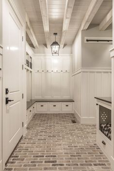 I love the floor and ceiling. This set up would be an amazing mud room