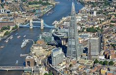 Aerial view of the River Thames, England (© Commission Air/Alamy)