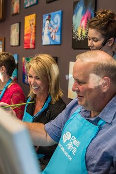 Painting It Forward events paint and sip classes with an extra dose of heart and soul. Click to learn about fundraising opportunities. #fundraising #paintingitforward