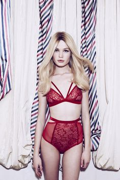 Lonely Sabel High Waist Lace Panty in Red
