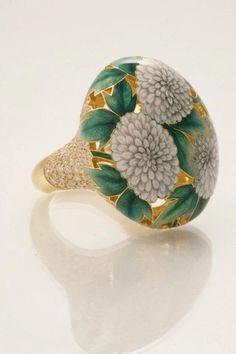 Russian jeweler Ilgiz Fazulzyanov - Beauty will save Enamel Jewelry, Jewelry Art, Jewelry Rings, Fine Jewelry, Fashion Jewelry, Jewelry Design, Antic Jewellery, Modern Jewelry, Vintage Jewelry