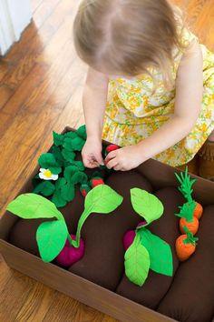 Such a fun idea ~ DIY plantable felt garden box!