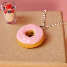 """Collier """"Donut tout Rose"""" en Fimo"""