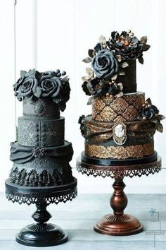 Dramatically Gorgeous Wedding Cakes from Sweetlake Cakes - MODwedding - Wedding cake perfection, by Sweetlake Cakes! These gorgeous creations are the coolest, most unique wedding cakes we have ever seen! Gothic Wedding Cake, Gothic Cake, Beautiful Wedding Cakes, Gorgeous Cakes, Mod Wedding, Pretty Cakes, Amazing Cakes, Steampunk Wedding Cake, Cake Wedding