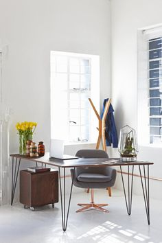 A Renovated Office Space Dedicated to CreativityCharles E Eames DSW  DSR  DSS Imitaci n de Coj n Asientos de Cuero  . Eames Dsw Dsr Dss Faux Leather Seat Pad. Home Design Ideas