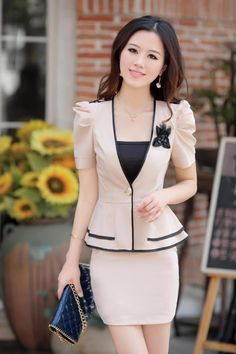 sastre mujer - Buscar con Google Suits For Women, Jackets For Women, Clothes For Women, African Fashion Dresses, Fashion Outfits, Womens Fashion, Classy Suits, Stylish Jackets, Batik Dress