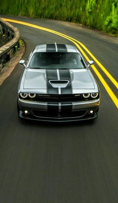 Dodge Challenger : Topping the lineup is the Dodge Challenger : American muscle cars Luxury Sports Cars, Sport Cars, Dream Cars, Audi, Porsche, Dodge Challenger Srt Hellcat, 2015 Challenger Rt, Dodge Vehicles, Top Cars