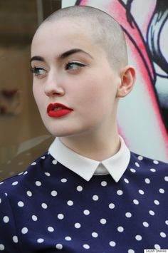 Blogger Shaves Head For Cancer Awareness To Prove That Bald Is Beautiful