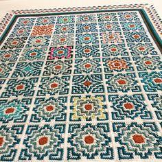 Ravelry: Terrazzo Afghan pattern by Tinna Thorudottir Thorvaldar Afghan Crochet Patterns, Crochet Squares, Crochet Granny, Crochet Stitches, Knit Crochet, Granny Granny, Crochet Owls, Crochet Cushions, Crochet Blocks