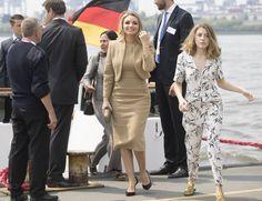 Angélica Rivera luce en su viaje al G20 una bolsa de más de 40 mil pesos -