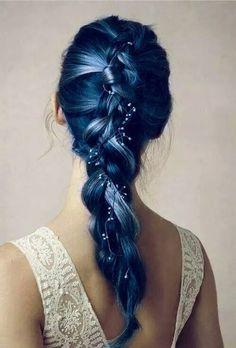 Immagine di hair, blue, and braid