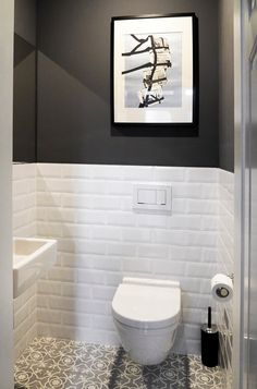 Bathroom: ideas, design and pictures homify, Classic Tile, Bathroom Interior Design, Grey Toilet, Small Toilet Room, House Rooms, Small Toilet, Wc Design, White Rooms, Home And Living
