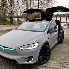 My Dream Car, Dream Cars, Tesla Roadster, Top Luxury Cars, Lux Cars, Pretty Cars, Car Goals, Futuristic Cars, Future Car