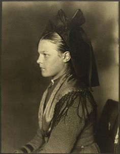 Ellis Island immigrant girl from Alsace, France 1900