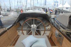 WOEST interior - fastdriving open boat aluminium yacht