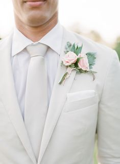 Wedding Suits - This Southern bride wasn't afraid to make a fashion statement with her two-piece custom wedding gown designed by Erin Grey Couture. Groomsmen Fashion, Groom And Groomsmen Style, Groom Attire, Groom Style, Groom Fashion, Suits For Groom, White Tuxedo Wedding, Costume Blanc, Casual Grooms
