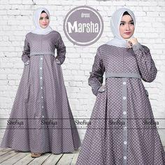 Model Dress Batik, Batik Dress, Abaya Fashion, Skirt Fashion, Fashion Dresses, Islamic Fashion, Muslim Fashion, Dress Anak, Hijab Trends