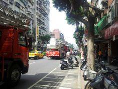 103.7.16am9:43社區發生樓梯間堆積雜物火災再次呼籲大家保持公共空間暢通