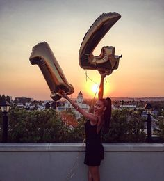 Trendy birthday pictures ideas for teens insta Tumblr Birthday, Birthday Post Instagram, 14th Birthday Party Ideas, Birthday Goals, 15th Birthday, Cute Birthday Pictures, Birthday Photos, Tumblr Photography, Photography Poses