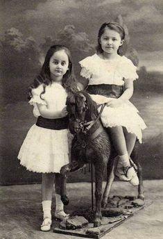 legrandcirque:  Charles Bernhoeft,  Princesses Sophie and Elisabeth of Luxembourg, ca. 1910.