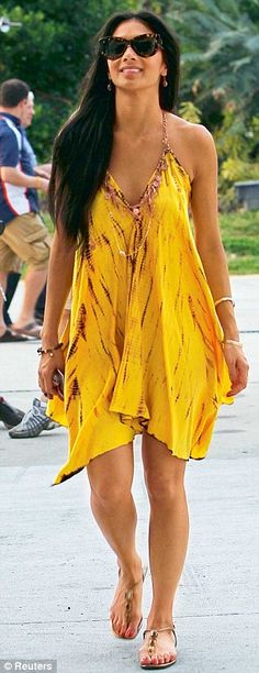 Nicole Scherzinger is a Pocahontas princess as she slips into spring wardrobe to support Lewis at Malaysian Grand Prix Summer Wear, Summer Outfits, Cute Outfits, Summer Dresses, Summer Fun, Malaysian Grand Prix, Vestido Dress, Love Fashion, Womens Fashion