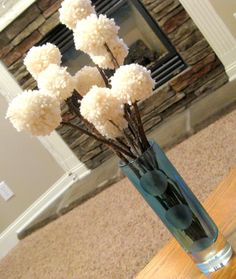 Yarn flower bouquet...i wouldn't use yarn but its still cute.