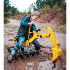 Muddy Fun Cat Construction, Cat Playground, Ride On Toys, Outdoor Play, Outdoor Toys, Heavy Equipment, Cool Toys, Tanks, Kid Furniture