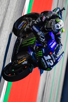 Velentino Rossi, Motorcycle Racers, Vinales, Road Racing, Sport Bikes, Motogp, Golf Bags, Valentino, Sketches