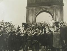 Julius Caesar in Berlin, Lotte Jacobi, circa 1930, silver print, 7 3/16 in. x 9 5/8 in. Currier Museum of Art.