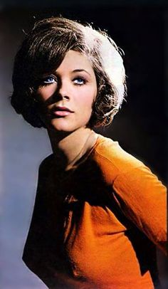 Linda Thorson in The Avengers Canadian Actresses, Female Actresses, Classic Actresses, Beautiful Actresses, Actors & Actresses, Female Celebrities, Emma Peel, Avengers Girl, New Avengers