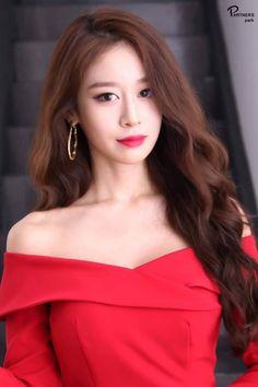Beautiful Asian Women, Beautiful Celebrities, Korean Beauty, Asian Beauty, Park Jiyeon, Ulzzang Fashion, Korean Women, Asian Woman, Pretty People