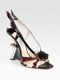 Dalla collezione primavera estate 2012 di scarpe Prada, i nuovi modelli di sandali.